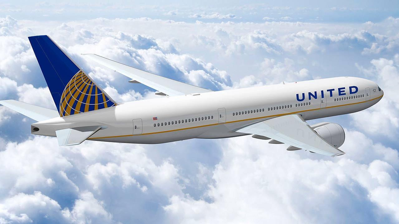 As usual, Twitter came up with the best memes to mock United Airlines
