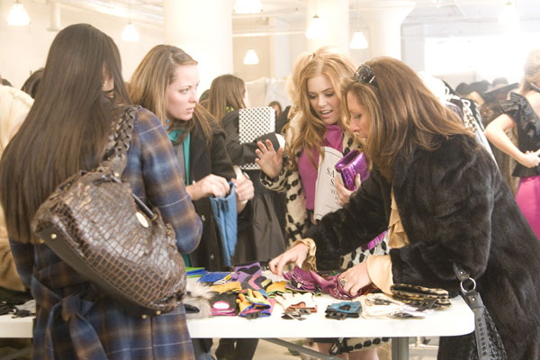 Here's a list of all upcoming Christmas bazaars for the broke millennial