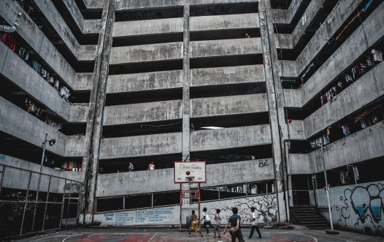 """This photographer takes urban photography that's beyond """"aesthetic"""""""