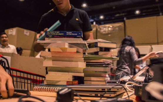 Surviving the Big Bad Wolf Book Sale with a P 1,000 budget