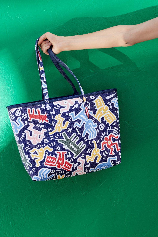 klasyczny na stopach zdjęcia najniższa zniżka This new Lacoste collection lets you wear Keith Haring's art