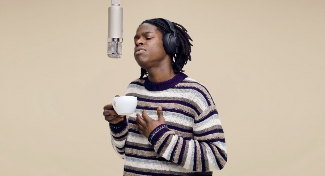 We can't believe Daniel Caesar is in Manila