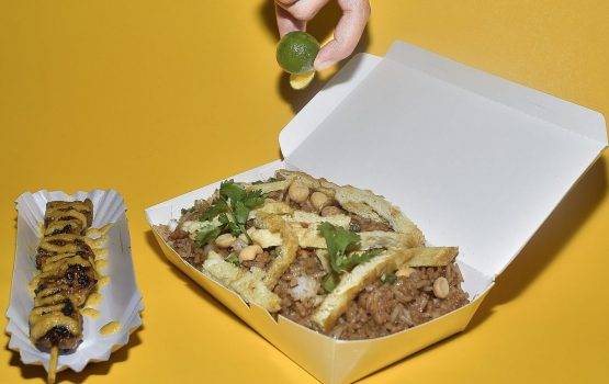 6 food haunts that are open 24/7 for your late night munchies