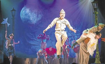You can watch 'Mula sa Buwan's' cabaret show this weekend