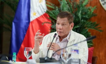 """""""'Wag na tayo magsisihan,"""" says Duterte, right after saying Cebu was overconfident about COVID-19"""