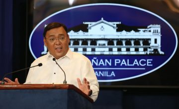 """Roque celebrates """"beating"""" UP with an """"authorized"""" Subic field trip"""