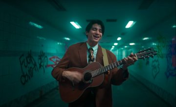 10 thoughts while watching Phum Viphurit's 'Pluto' live sesh