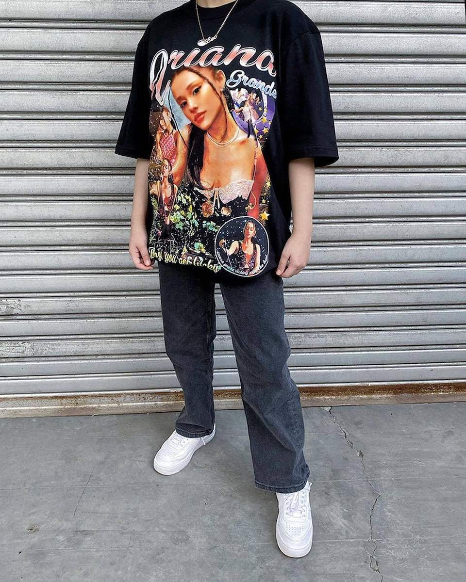 LF- A vintage tee feat. your bias? These 5 IG shops have 'em 2