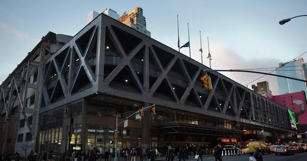 Jollibee Opens Shop In Manhattan