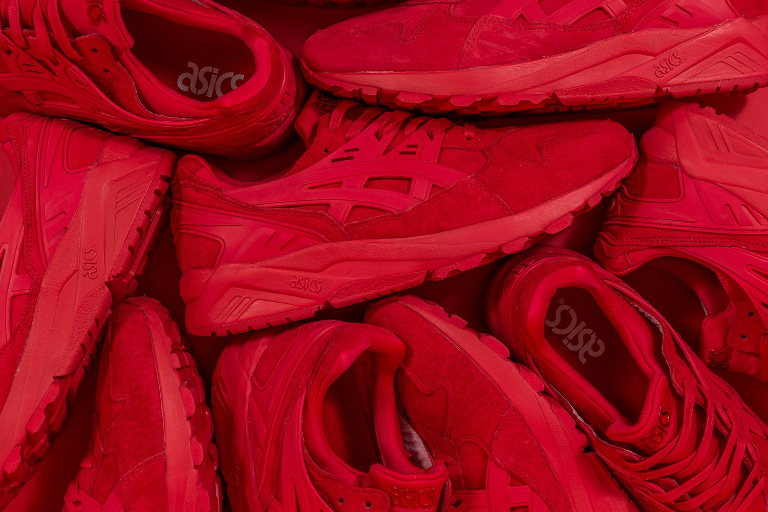 "The New ASICS Gel Kayano x Packer ""Triple Red"" Is A Red Velvet Cake In Shoe Form"