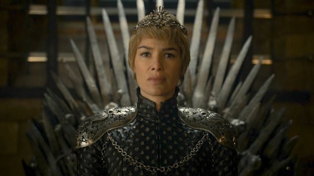 Cersei's New Crown Symbolizes Just How Alone She Is At The Top