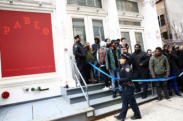 Kanye West Brings His 'Life Of Pablo' Pop-Up Store To Paris