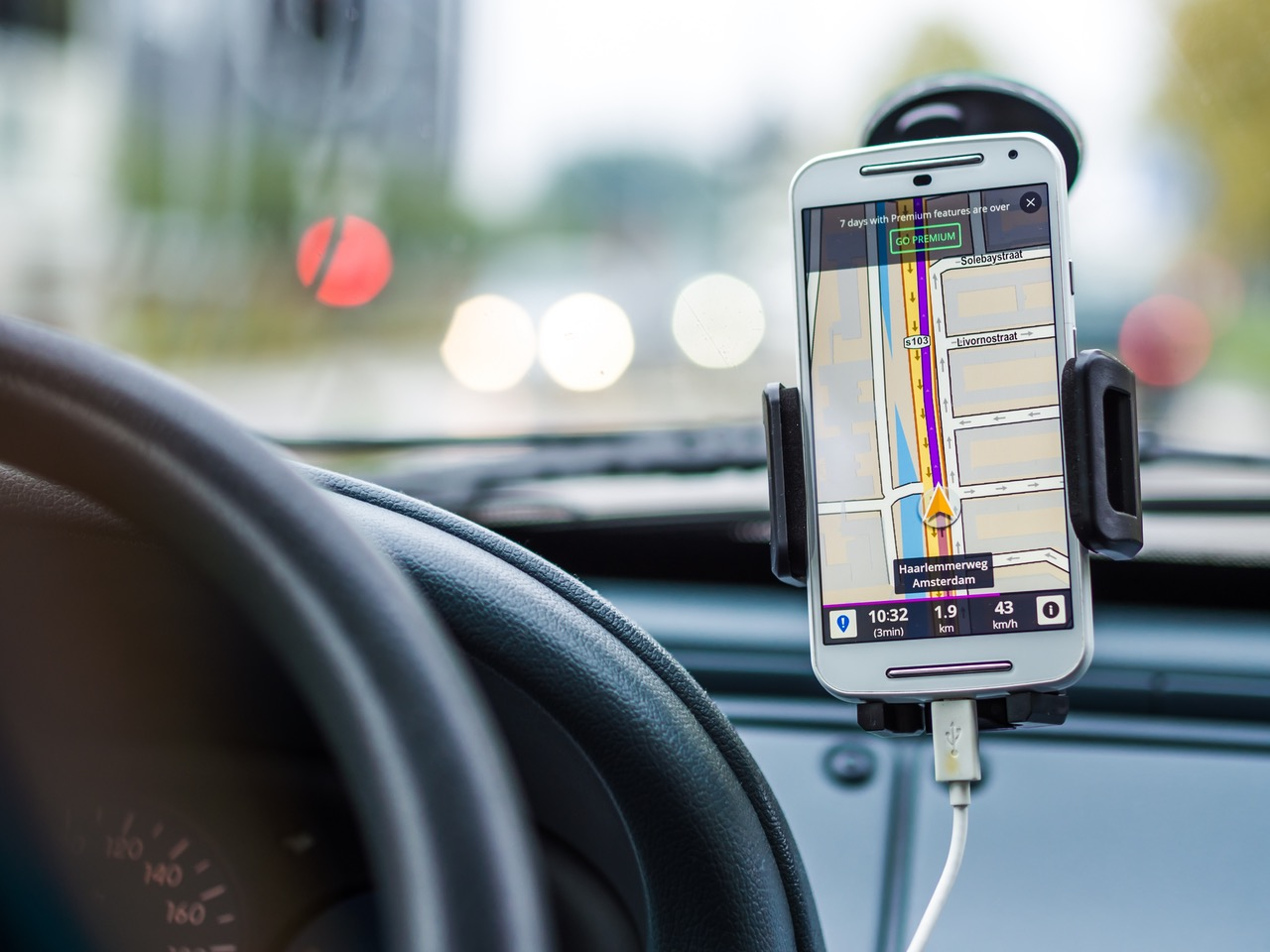 Waze now lets you record yourself telling yourself where to go