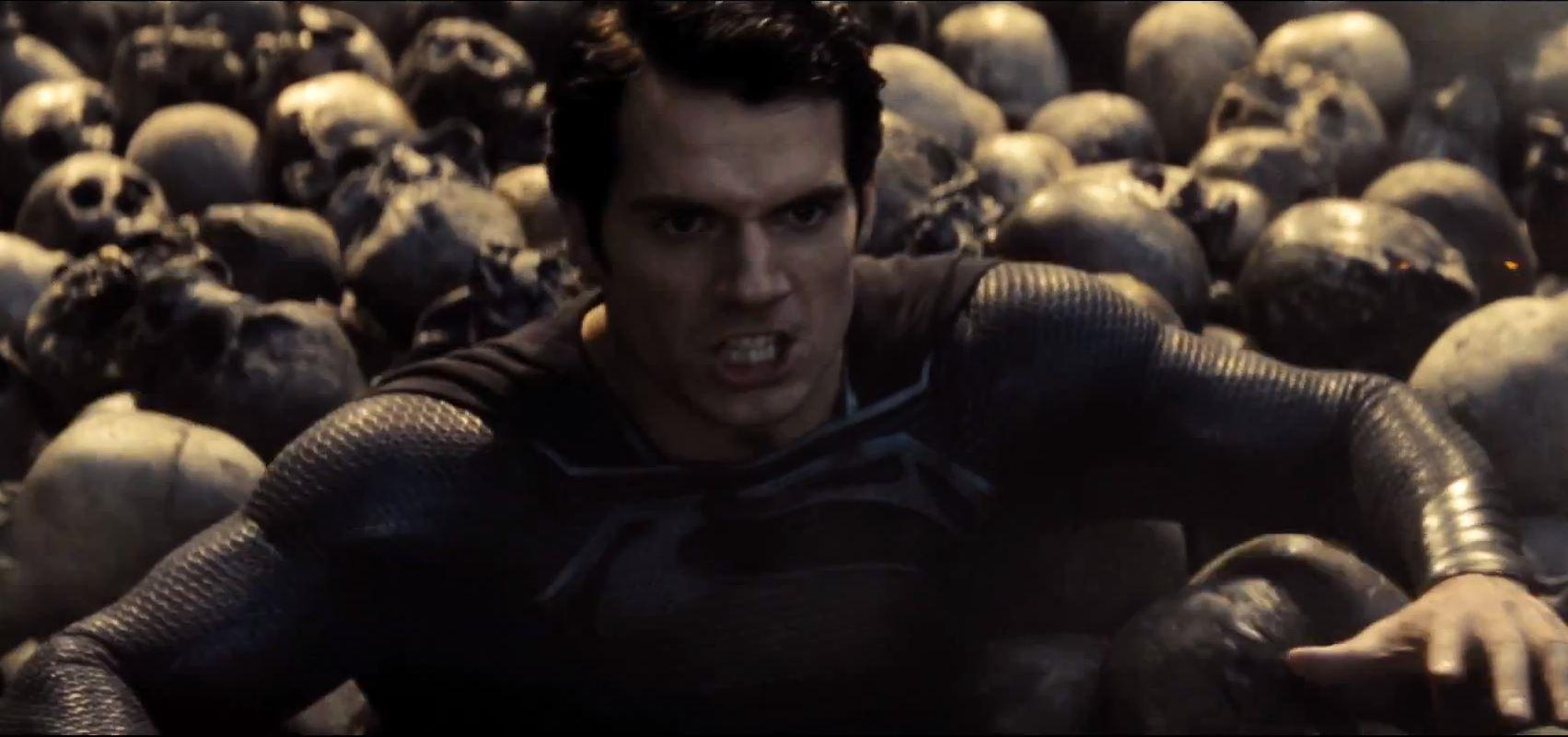 Here's Your First Peek At Henry Cavill's New Superman Suit